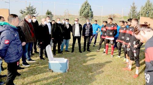 Vali Coşkun'dan, Kahramanmaraşspor Oyuncularına Moral Ziyareti