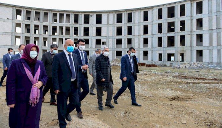 Milletvekili Kılıç, KSÜ Avşar Yerleşkesinde Gerçekleştirilen Yatımları Yerinde inceledi