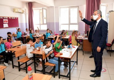 Başkan Güngör Öğrencilerin Mutluluğunu Paylaştı