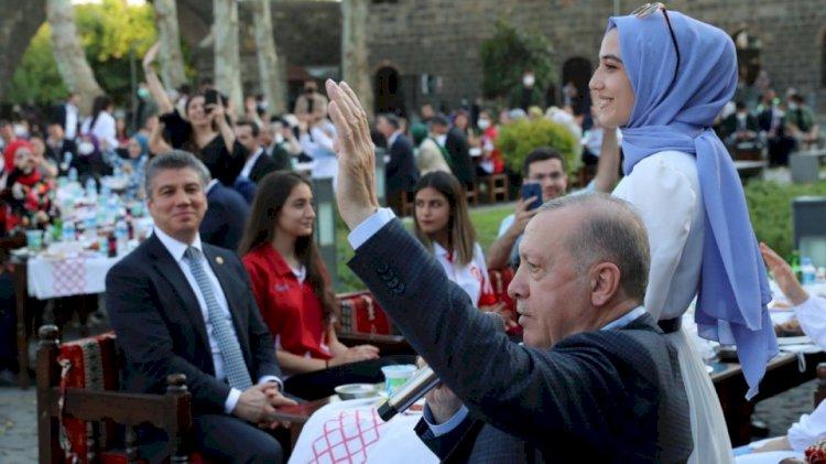 Cumhurbaşkanı Erdoğan Yedi Güzel Adam'da Gençlerle Buluşacak